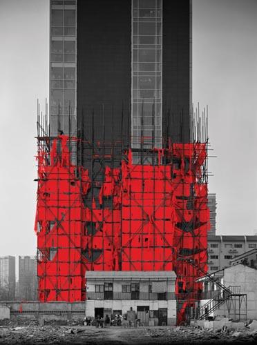 """象一件""""东方艾菲尔铁塔""""的纯粹雕塑品,提供了一个新的视角."""